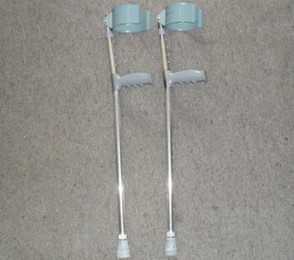 PR00784 Canadian Elbow Adjustable Crutches
