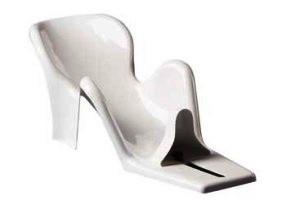 R 82 Penguin Bath Chair