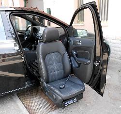 C400 Lowering Turning Base - in standard car.