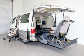 toyota granvia with wheelchair lift and turnout seat