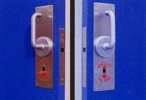 Cavlock CL100 Latch/Lock Sliding Doors.